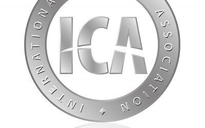 Dwóch członków Polskiego Stowarzyszenia Cutmanów w ICA
